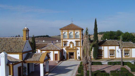 Los viajeros alojados en hoteles de la provincia de Sevilla crecen un 20% en julio