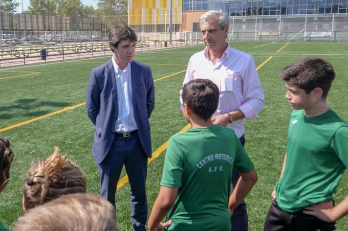 Abre sus puertas el nuevo campo de césped artificial del Centro Deportivo Santa Justa