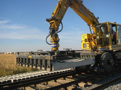 Adif invierte en la renovación de 3 km de vía entre Arahal y Marchena