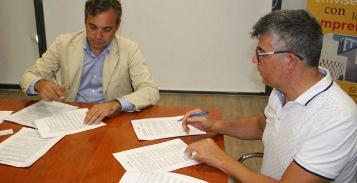 Sevilla crea un servicio de agentes de proximidad para familias que residen en viviendas protegidas