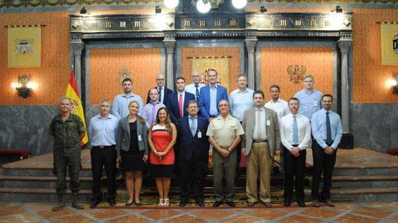 El grupo de trabajo para implementar los helicópteros NH90 en el Ejército y la Armada se reúne en Sevilla