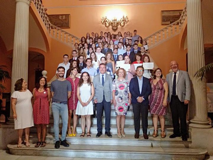 Sevilla distingue la trayectoria académica y personal de 57 estudiantes de 4º de la ESO