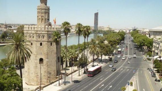 El número de turistas alojados en Sevilla creció un 15 % en marzo
