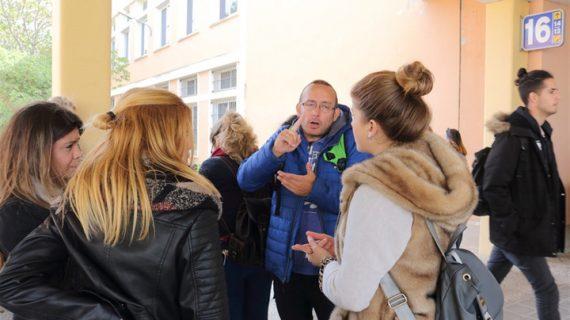 El Servicio de Idiomas de la UPO ofrece por primera vez cursos de Lengua de Signos Española