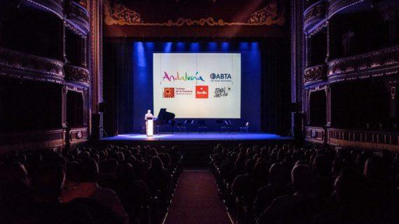 Periodistas del Reino Unido conocen la oferta turística de la ciudad de Sevilla