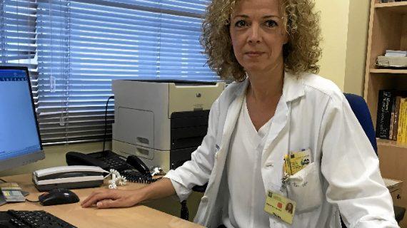 Mª Dolores del Toro, especialista del Virgen Macarena, premiada por su estudio sobre la infección de prótesis articular