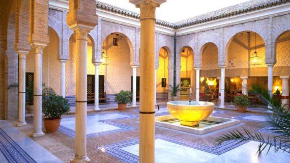 Los hoteles de los pueblos sevillanos registraron en agosto aumentos de un 5 % en viajeros
