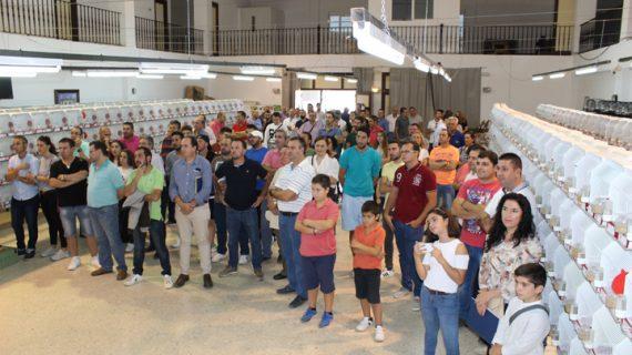El XIII Concurso Exposición Ornitológico convierte a Fuentes de Andalucía en el centro de la canaricultura de la provincia