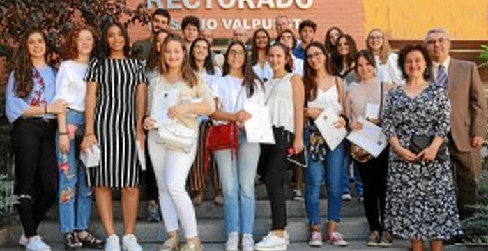 El Premio Humanitas de la UPO recae en el IES La Campiña de Arahal por su trabajo de investigación artística