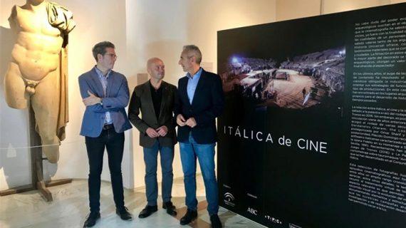 Una exposición fotográfica repasa las producciones audiovisuales rodadas en Itálica en los últimos años