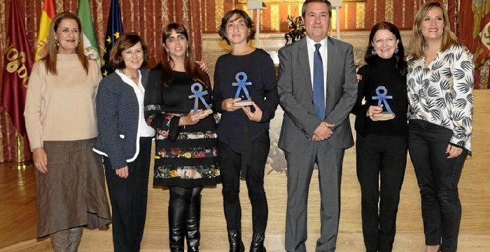 La abogada Amalia Calderón y la Asociación Mujeres en Zona de Conflicto reciben los premios Mujer 2018