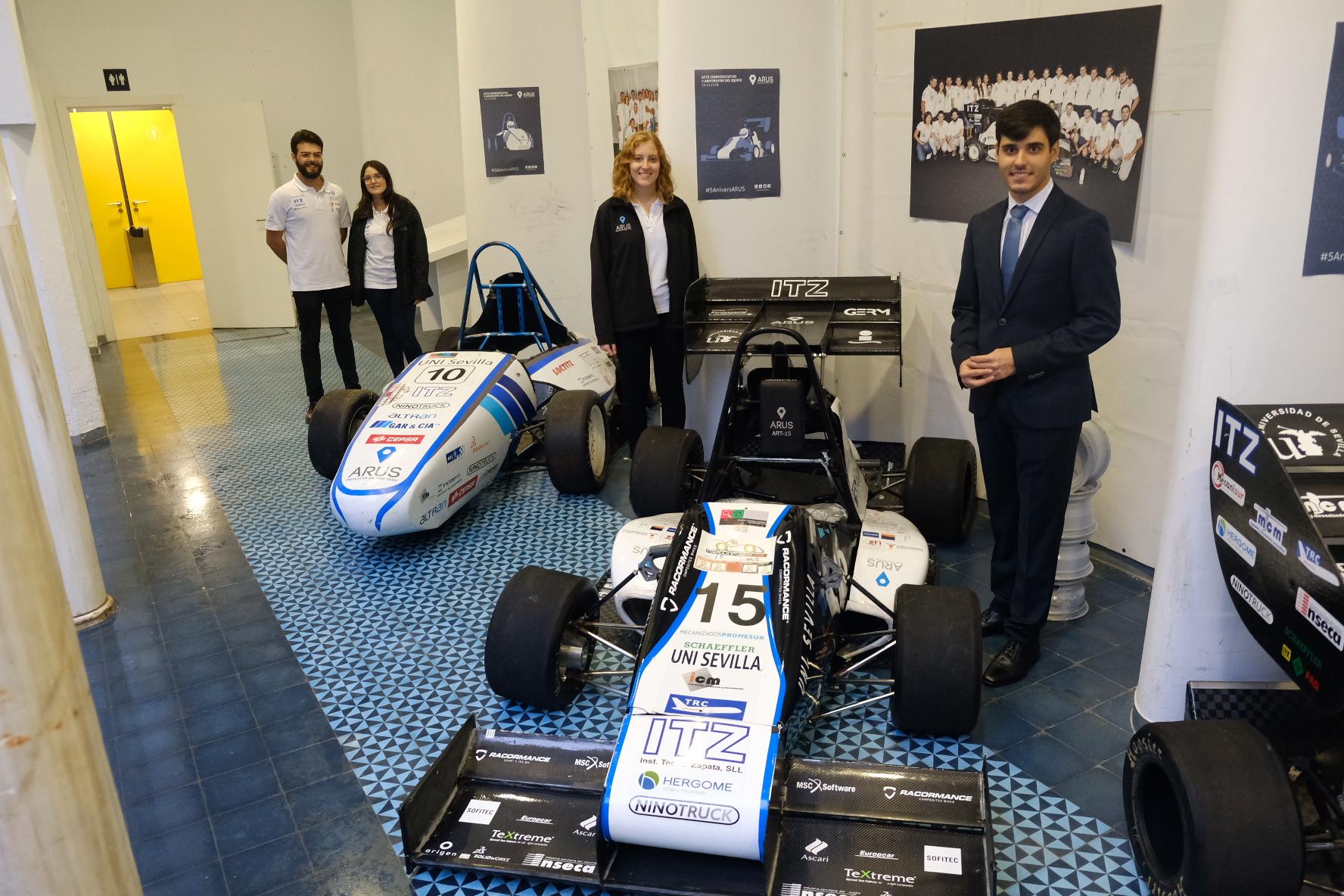 El grupo de estudiantes dedicados al motor en Andalucía Racing Team celebra su quinto aniversario