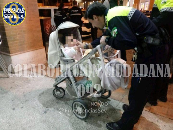 La Policía Local de Sevilla devuelve a su madre a una bebé olvidada en un bar