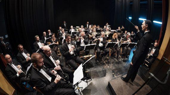 La Banda Sinfónica Municipal de Sevilla rinde homenaje al compositor Emilio Cebrián en Santa Catalina