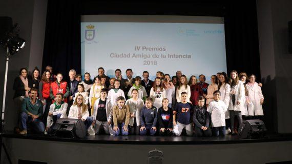 Lora del Río entrega los premios Ciudad Amiga de la Infancia