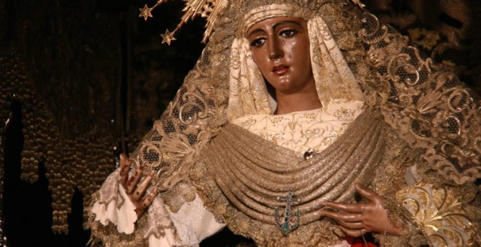 La Esperanza de Triana llegará hoy a la Catedral para celebrar 600 años de devoción
