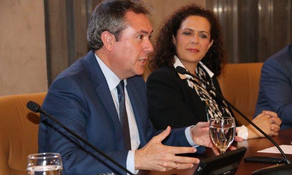Juan Espadas toma posesión de la alcaldía con el respaldo del PSOE