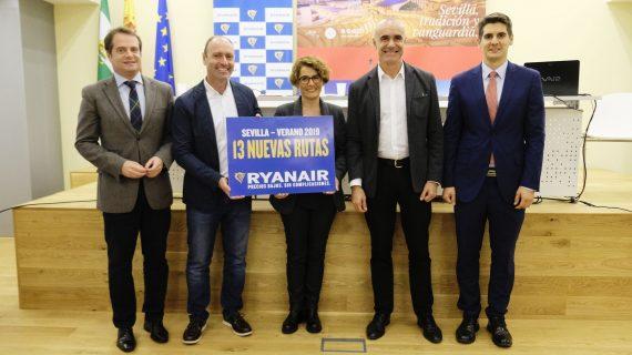 Ryanair ofrecerá 13 nuevas rutas y creará 150 empleos en su nuevo hangar en Sevilla