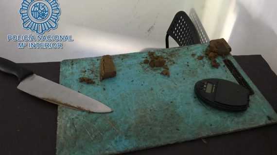 Desarticulado un grupo criminal que vendía drogas en un piso ocupado en la capital