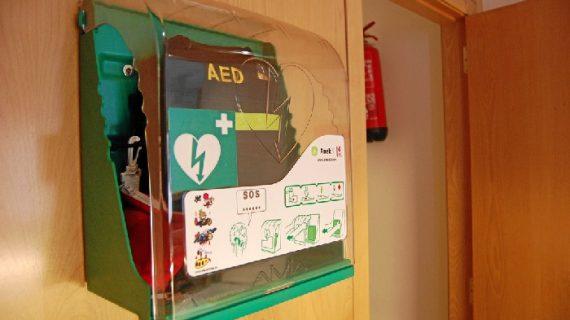 La sede sevillana de la UNIA se suma a la iniciativa saludable de los espacios cardioprotegidos