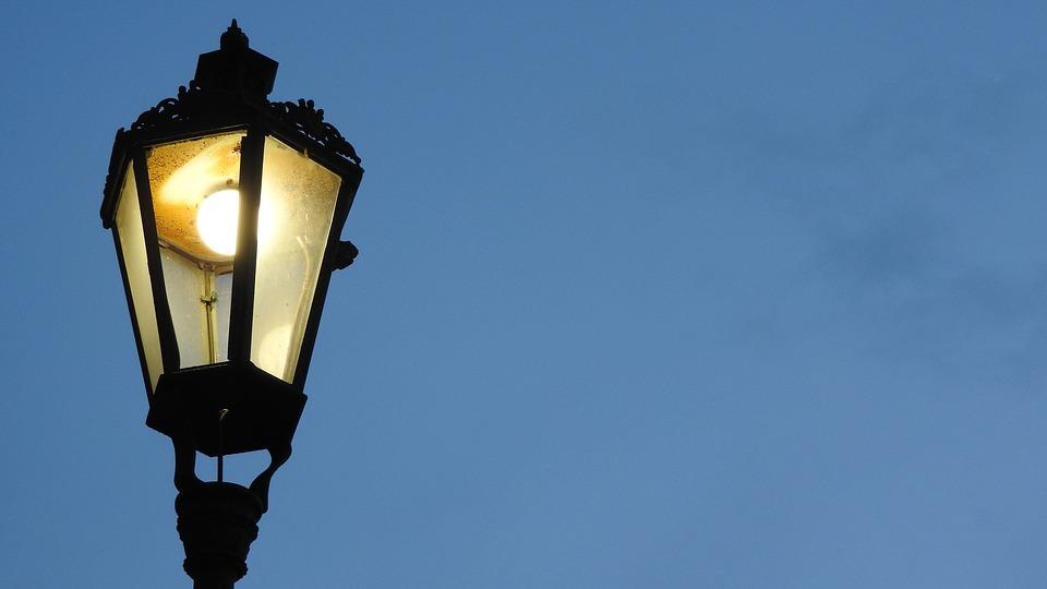 farola alumbrado luz bombilla