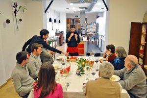 Óscar P. Crespo, impartiendo un taller. / Foto: KÖk Tu Cocina.