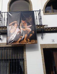 Se puede ver por las calles de la localidad sevillana de Salteras.