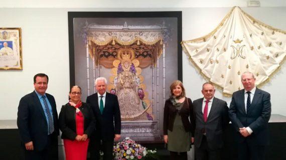 El centenario de la coronación de la Virgen del Rocío también se celebra en Sevilla