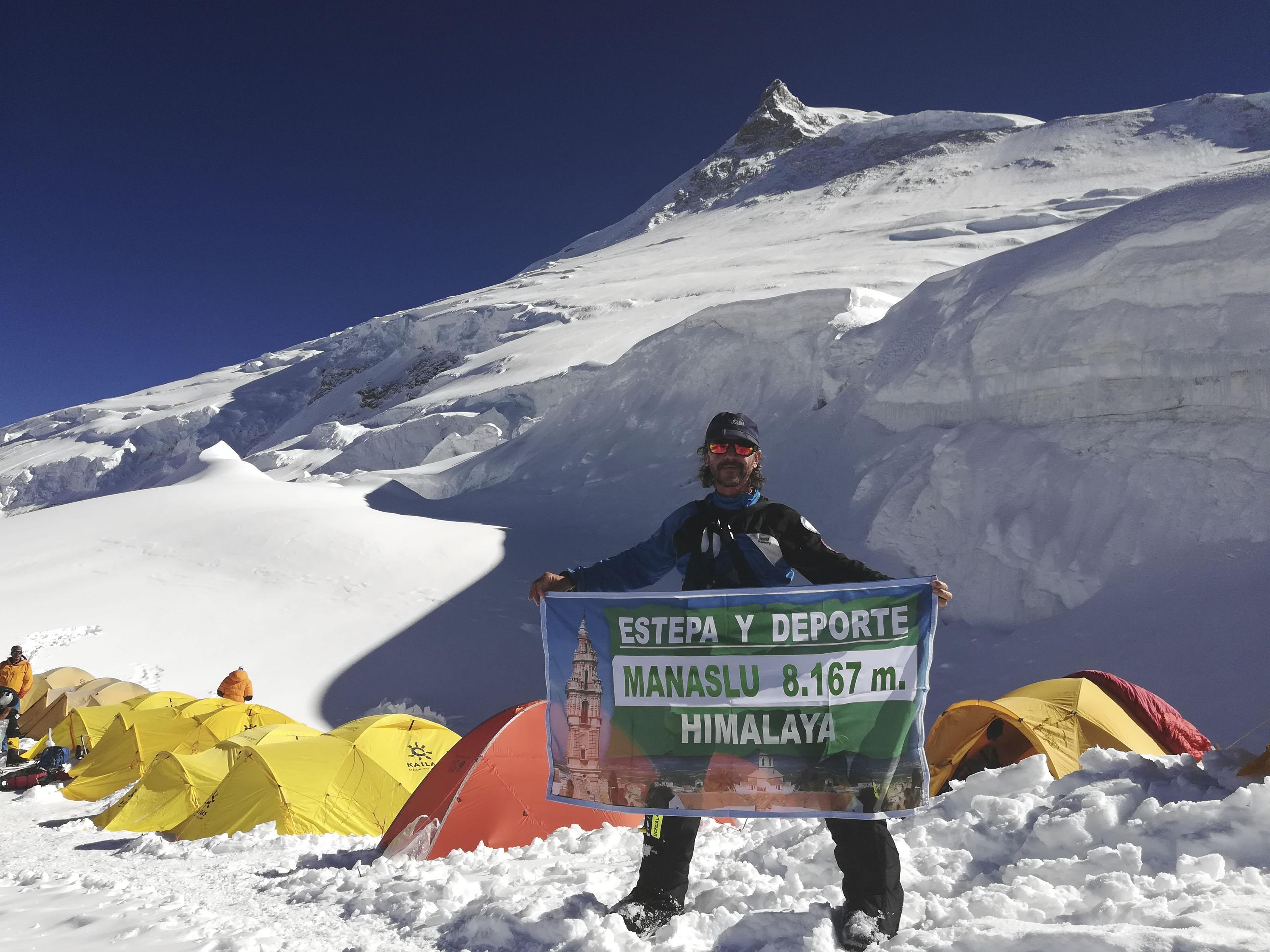 """José Manuel León, el estepeño más aventurero: """"La montaña me apasiona, todo mi tiempo libre lo dedico a ella"""""""