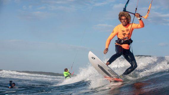 El representante sevillano Matchu Lopes, tercero del mundo de kitesurf