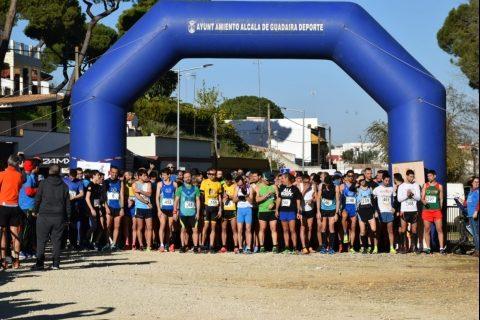 Cientos de atletas despiden el año a buen ritmo desde Alcalá