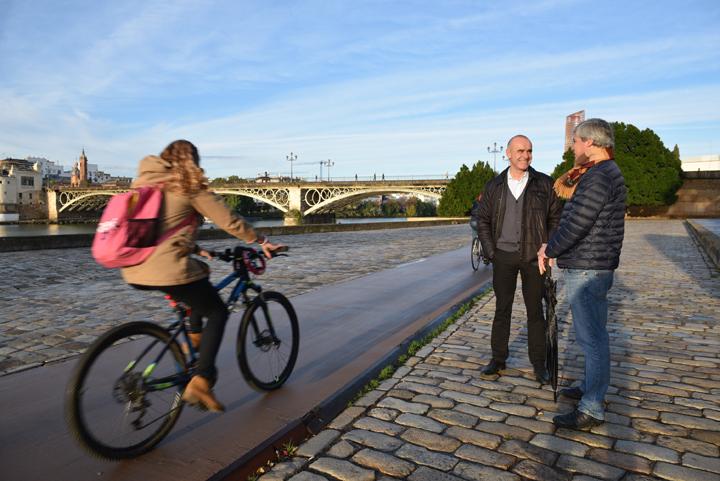 En la imagen, el carril bici del Paseo de Marqués de Contadero.