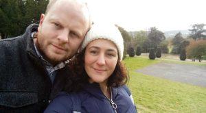 Gema y su pareja, en Tyntesfied, en un paseo de otoño.