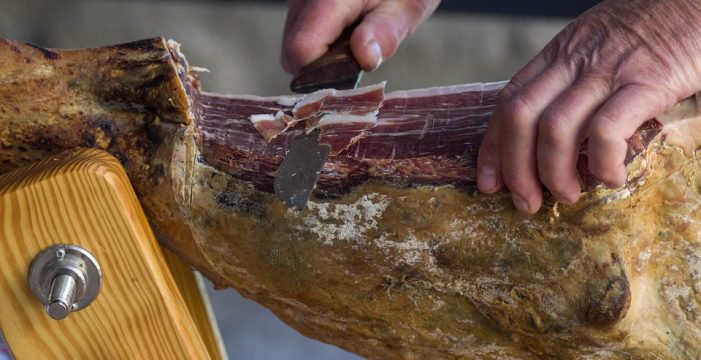 Los veterinarios andaluces afirman que la salubridad de los productos procedentes del cerdo está garantizada