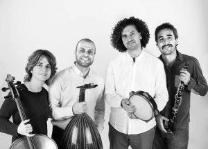 En la imagen, el grupo Mashrabiya.