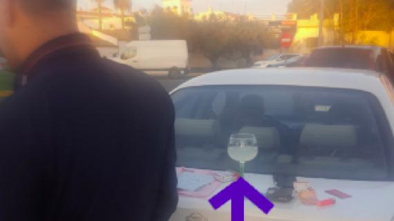 Detenido cuando iba con un cubata al volante y dio positivo en alcohol y drogas