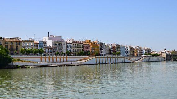 Sevilla consigue el acceso público desde la calle Betis a la ribera de la dársena del Guadalquivir