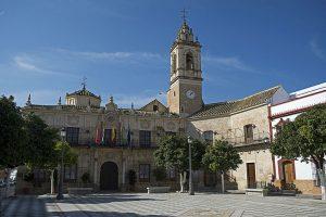 En la imagen, el Ayuntamiento de Lora del Río.