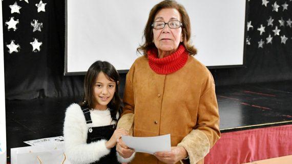 Tomares refuerza el vínculo entre nietos y abuelos con un concurso escolar sobre el alzhéimer