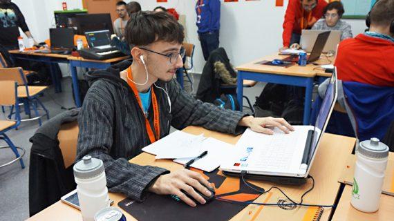 El IES Martínez Montañés acoge la I Edición de JamToday Andalucía de videojuegos y juegos de mesa