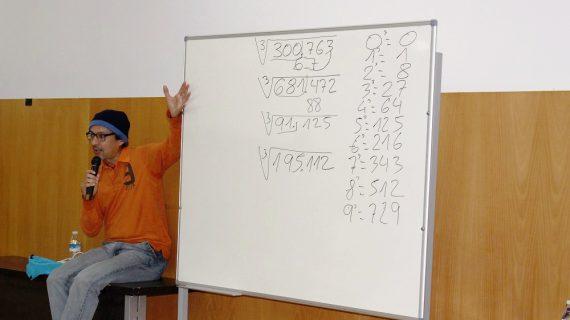 El récord Guinnes Alberto Coto multiplica su conocimiento en San Juan