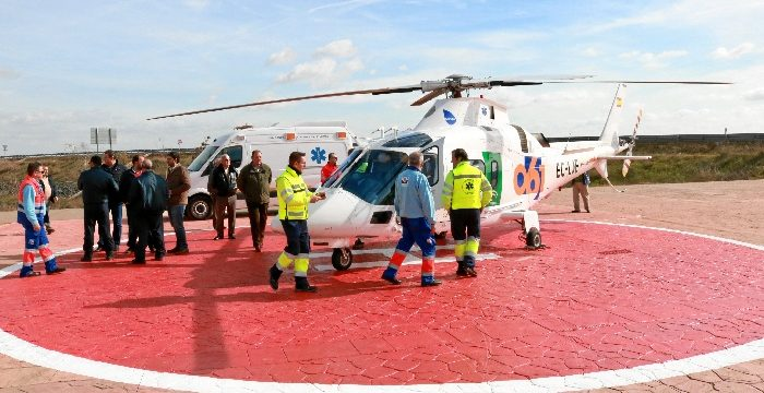 Lora del Río estrena un helipuerto que acorta 10 minutos la distancia al centro de salud