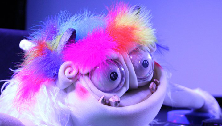 Trolly pintaflores estreno este fin de semana para toda for Teatro en sevilla este fin de semana