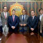 Durante la firma del acuerdo marco para la creación y patrocinio de la Cátedra Sociedad Digital Indra.