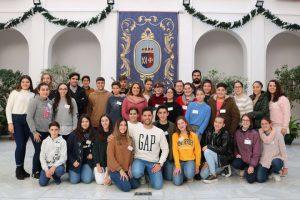 En la imagen, los 42 jóvenes estudiantes de ESO participantes en el programa.