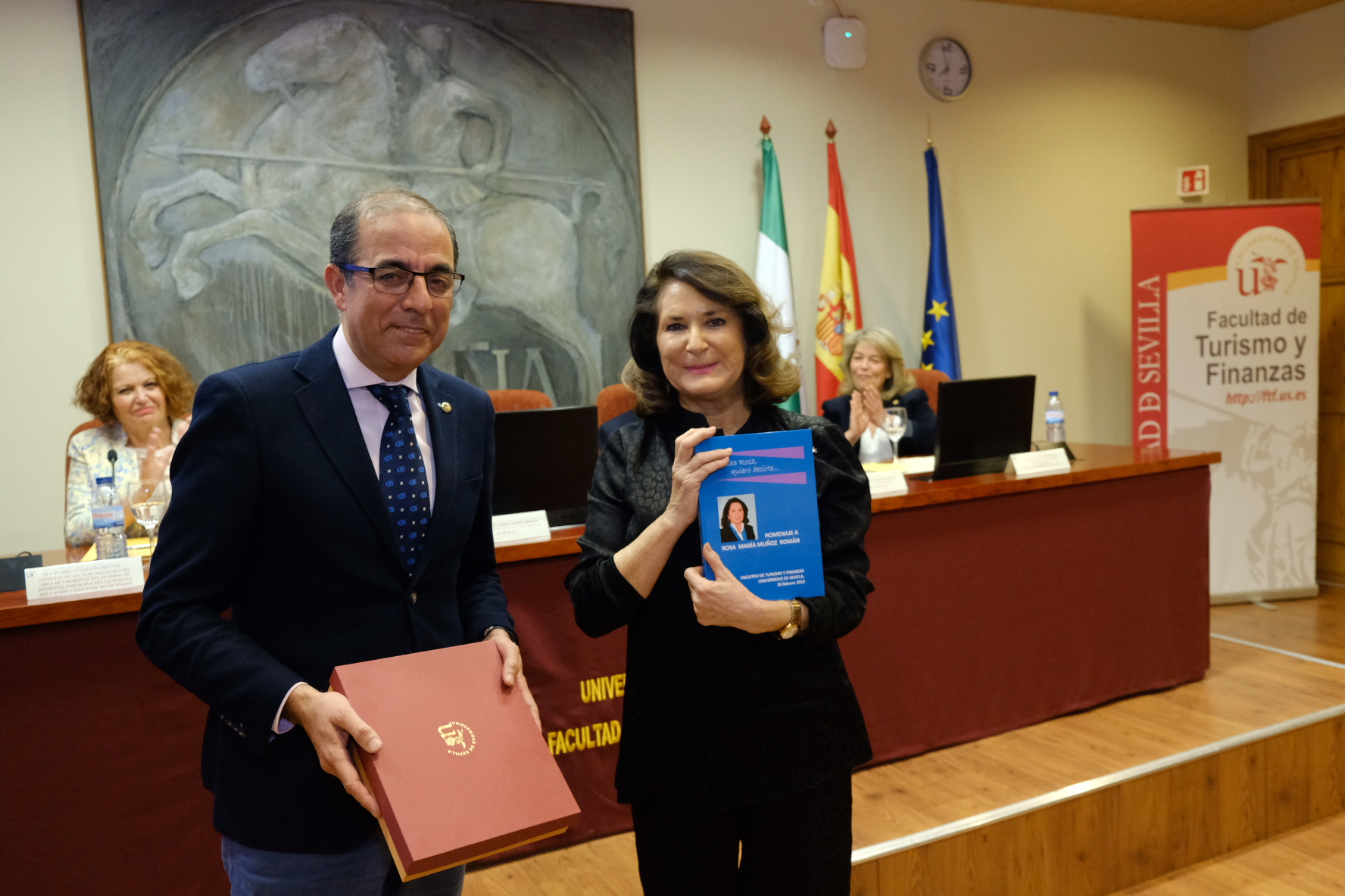 Entrañable homenaje a Rosa Muñoz Román, profesora de la Universidad de Sevilla