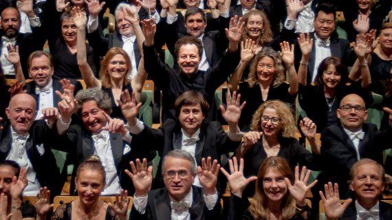 Cartuja Center acoge el concierto de la Real Orquesta Sinfónica de Sevilla y Pepe Romero