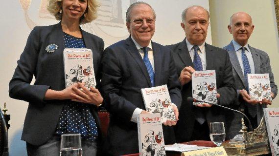 El periodista Manuel Capelo llena el Ateneo en la presentación de su primer libro