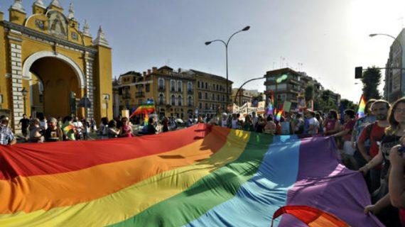 Sevilla saca a concurso el 'Punto visible LGTBI' para dar atención y asesoramiento al colectivo
