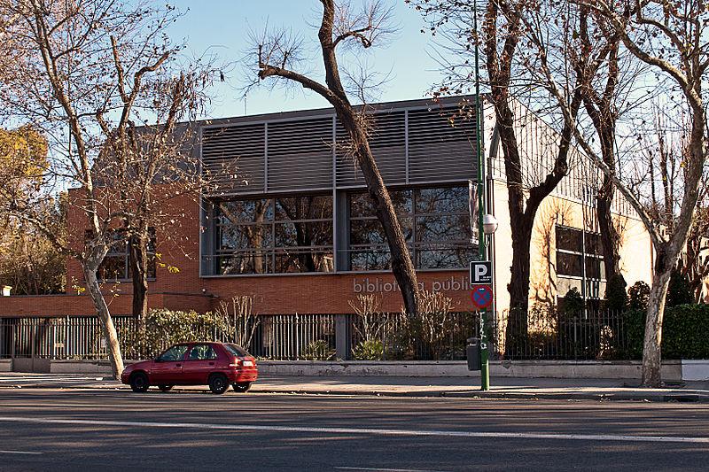Biblioteca Pública Infanta Elena.